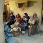 編み物やレースを作る女性達