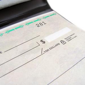 小切手帳がイタリアへ郵送されてしまった