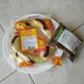 クリスマスの伝統菓子を食べながらモヤシ栽培