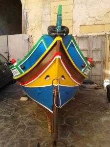 マルタの伝統漁船『ルッツ』