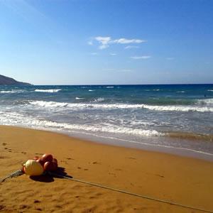 ゴゾとマルタで一番広くて遠浅な砂浜
